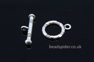 Ribbed Toggle Clasp