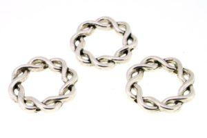 Small Intertwined Rings