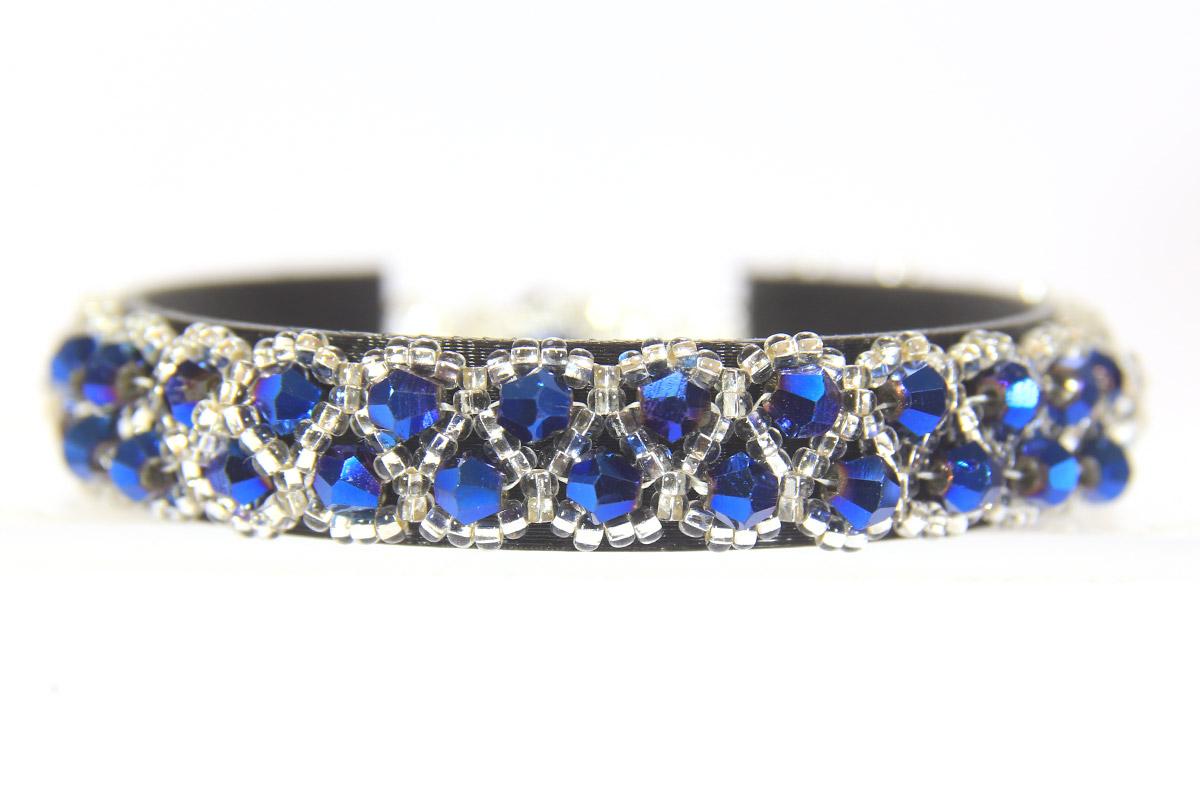 electric blue raindrop bracelet bead spider