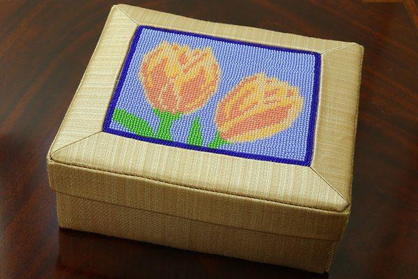 Tulip-box